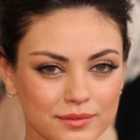 Flashback Beauty - Mila Kunis's 2011 Golden Globes Makeup